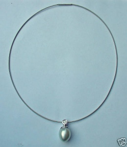 0,24 CT BRILLANT Collier SÜDSEEPERLE 13 mm